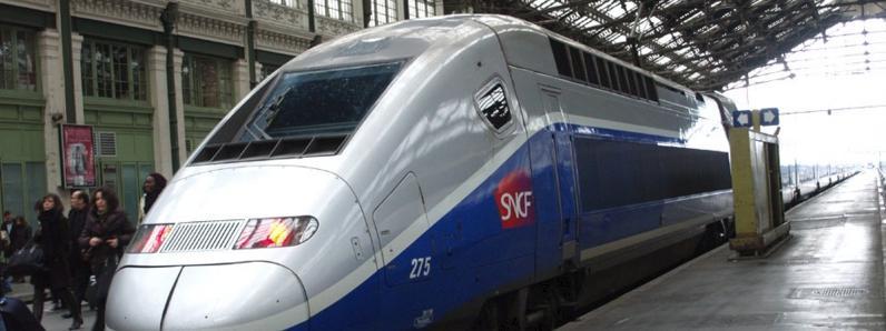 Un train entrant en gare